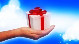 hand-giving-gift