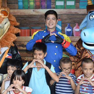 Pangkat Oyayi and Gizmo joined ABS-CBN's  Family Fair