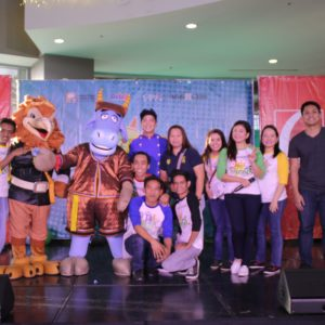 Pangkat Oyayi Surprised the kids at Robinsons Place Las Piñas