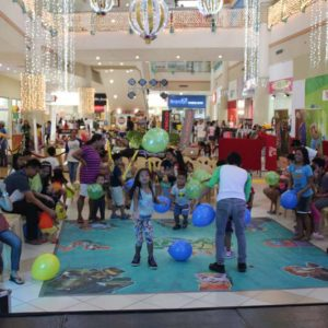 Pangkat Oyayi Entertains Kids at Robinsons Sta. Rosa