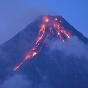 3 Things that You can Do When A Volcano Erupts