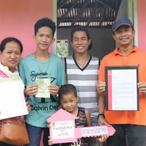 16 Families in Tacloban Welcomed 2019 in their New Homes