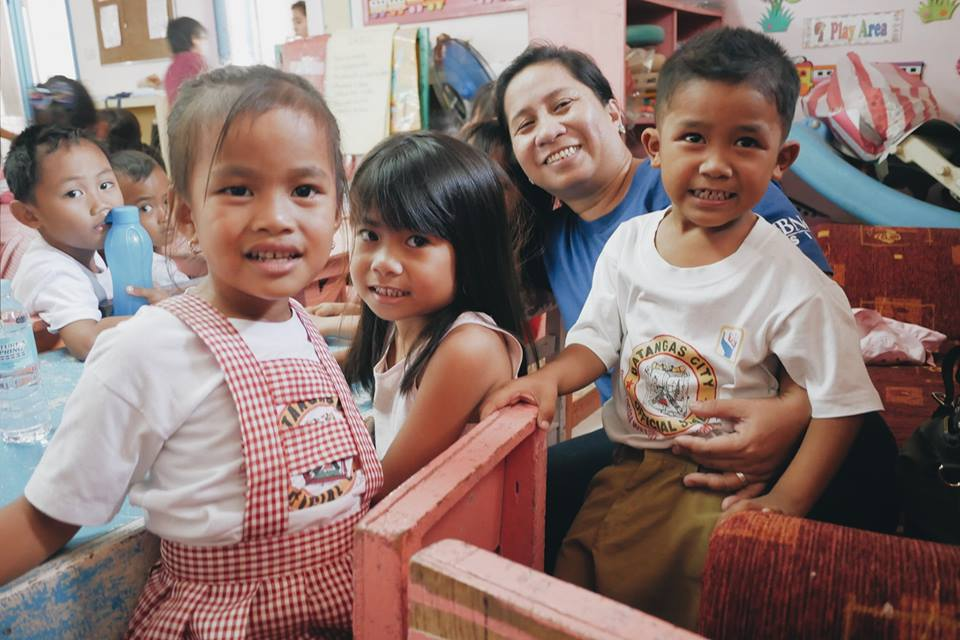 Operation Blessing with the children in Barangay Calicanto 2